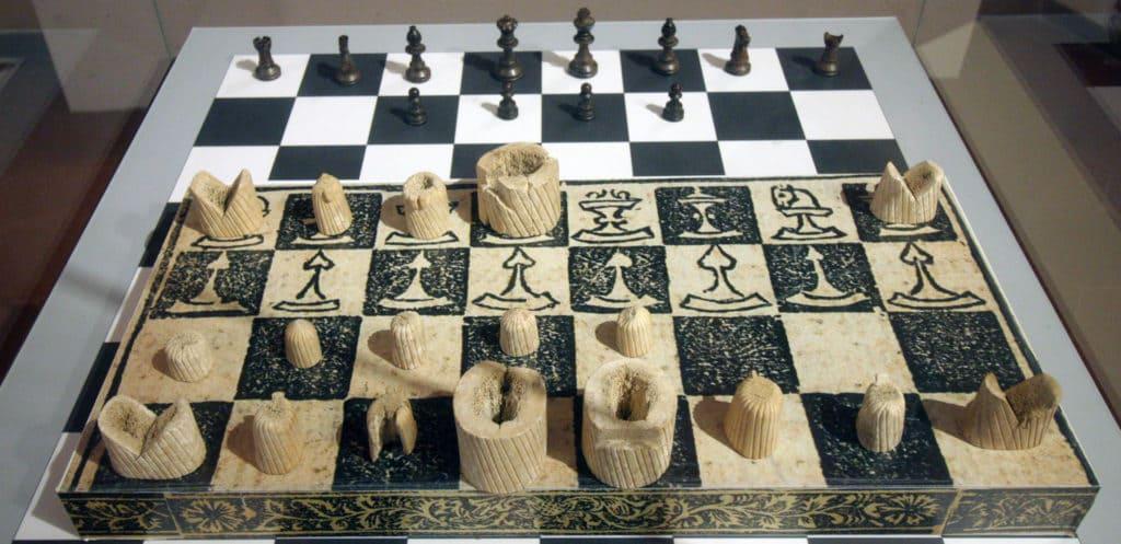 Museo archeologico di Venafro - pezzi degli scacchi in osso