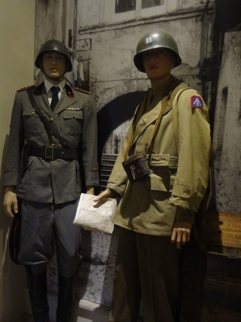 Winterline - Particolare uniformi